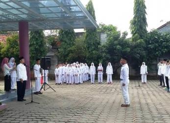 SMP Al-Fath Cirendeu & BSD Gelar Upacara Peringatan Hari Lahir PANCASILA