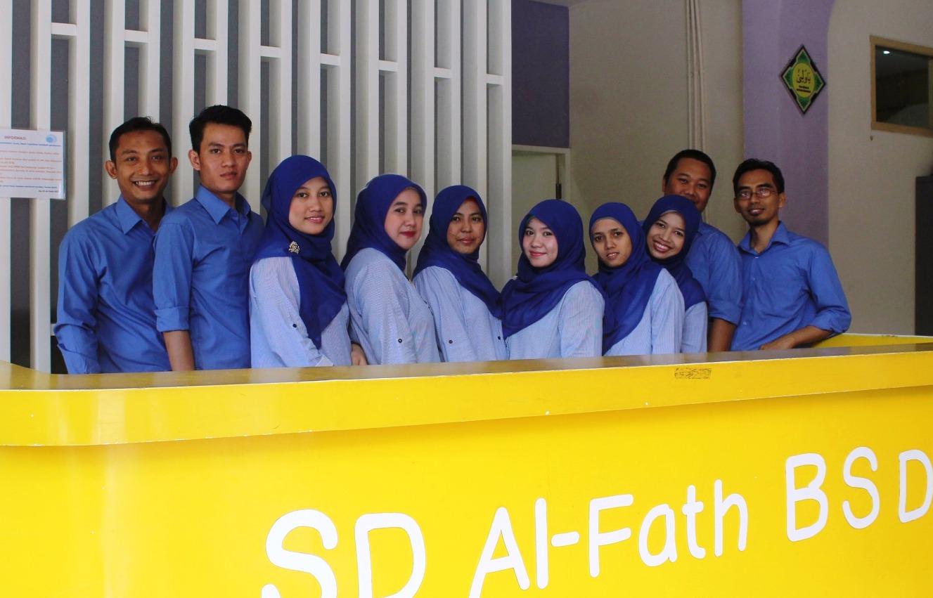 staff-adm-smp-sd-tk-al-fath-bsd
